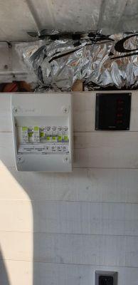 Instalation et branchement du tableau éléctrique en 220v et celui en 12v...