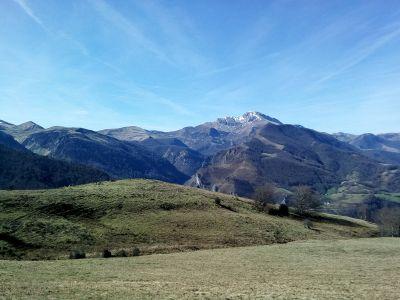 Les Pyrénéees avec peu de neige cet hiver...